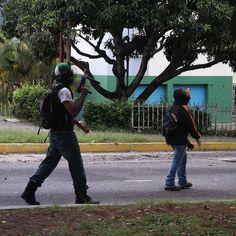El 16J luego de la Consulta Popular organizada por los factores democráticos en Mérida tomé esta foto Hoy luego del fraude constituyente ejecutado por la dictadura de Maduro siento que no abandonaremos la lucha. Cruel desigual y sangrienta pero necesaria por justicia y libertad #Venezuela #yonovoteporlaconstiyuyente #instalike #instahub #instadaily #instamood #instavenezuela #instapic #foto #photography #photooftheday #picoftheday #photographer #FotografosDeCaracas #FotografosDeVenezuela…