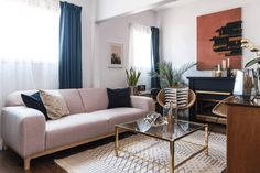 House Tour: A Vintage Boho Glam Mashup Designed on a Dime | Apartment Therapy