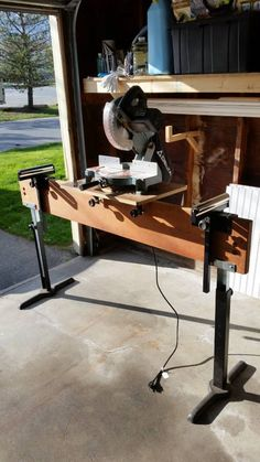 Unique Delta in Power Miter Saw w stand