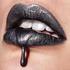 Inspired by our lip editor-in-chief @vladamua, @anita_gavranic re-creates a drip lip using #BeLegendaryLiquidLip in Space Case (grey #LiquidMetal). #regram