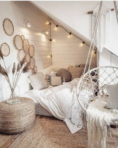 bohemian minimalist with urban outfiters bedroom ideas 8 Bedroom Decor For Teen Girls, Girl Bedroom Designs, Teen Room Decor, Room Ideas Bedroom, Bedroom Inspo, Swing In Bedroom, Bedroom Hammock, Apartment Bedroom Decor, Bedroom Small