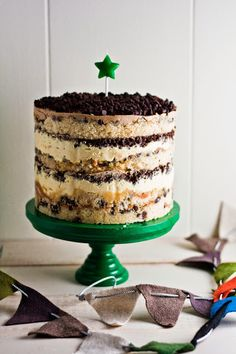 Hummingbird High: Momofuku Milk Bar Chocolate Chip Cake. Quite the baking undertaking, but the end result looks spectacular and delicious!