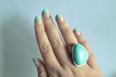 #ManicureMonday I want this nails done on me.. Tiffany nails and also my favorite color!