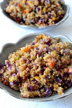 Este salteado de quinoa es super rapido y sencillo de hacer, una receta de aprovechamiento super sana y sabrosa