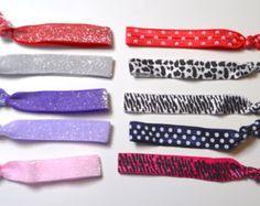 8 Pastel Rainbow Necklace Bracelet Set for American von HHJewelryCo