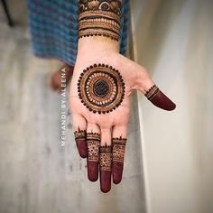 Rajasthani Mehndi Designs, Henna Hand Designs, Dulhan Mehndi Designs, Circle Mehndi Designs, Round Mehndi Design, Mehndi Designs Finger, Henna Tattoo Designs Simple, Latest Bridal Mehndi Designs, Legs Mehndi Design