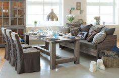 Bygdin spisestue, Fagmøbler denne sofaen til klaffebord + bokskap? Dining Table, Sofa, Rustic, Furniture, Home Decor, Country Primitive, Settee, Decoration Home, Room Decor