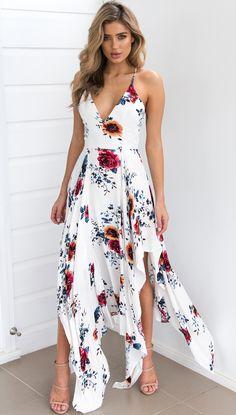 903e0f093 53 melhores imagens de mulher de asas | Dress skirt, Formal skirt e ...