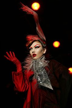 Karlie Elizabeth Kloss (born 03.08.1992) is an American fashion model.