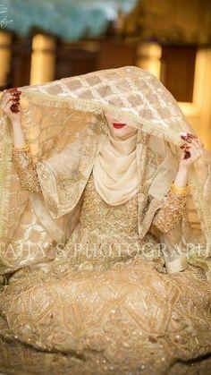 17 New ideas dress formal hijab style Hijabi Wedding, Pakistani Wedding Outfits, Disney Wedding Dresses, Muslim Brides, Pakistani Wedding Dresses, Desi Wedding, Bridal Outfits, Muslim Couples, Bridal Hijab Styles