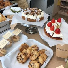 Bakery Menu, Bakery Cafe, Croissant Brioche, Cute Bakery, Food Obsession, Cute Desserts, Cafe Food, Dessert Drinks, Aesthetic Food