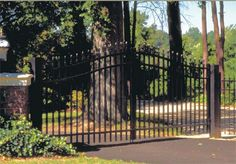 Almost all of the Garden Gate Design options are available as a Driveway Gate. Description from fencegate.blogspot.com. I searched for this on bing.com/images