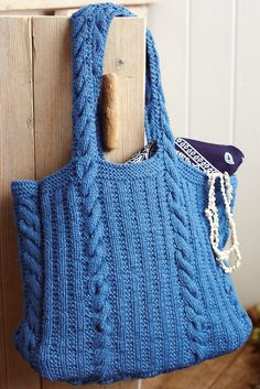 Need a knitting pattern to make a chic new bag? Look no further than this smart heritage-style rib and cable design