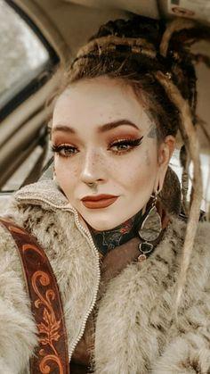 White Girl Dreads, Dreads Girl, Sexy Tattoos, Girl Tattoos, Sleeve Tattoos, Female Dreads, Web Girls, Estilo Hippy, Goth Women