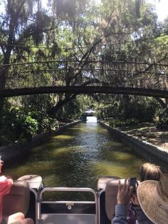 Explore the lakes in an entirely different way, navigating through the waterways and connected islands. Florida Vacation Spots, Places In Florida, Florida Camping, Visit Florida, Florida Travel, Vacation Places, Dream Vacations, Places To Travel, Places To See
