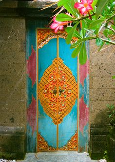 Beautiful colorful door in Bali Cool Doors, The Doors, Unique Doors, Entrance Doors, Doorway, Windows And Doors, Bali, When One Door Closes, Knobs And Knockers
