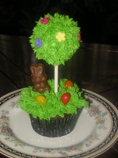 Gorgeous topiary cakepop with little easter bunny!