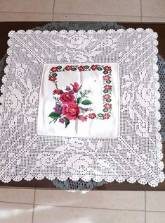 Hardanger crochet patchwork cover with delicate floral ornaments Crochet Lace Edging, Filet Crochet, Crochet Shawl, Winter Wedding Shawl, Bridal Shrug, Bridal Cover Up, Bobble Stitch, Crochet Designs, Shawls And Wraps