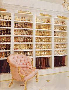 Mariah Carey's outrageous closet which featuring over 1,000 pairs of shoes. Stunning marble floors and expensive Versailles-inspired furniture completed the look.