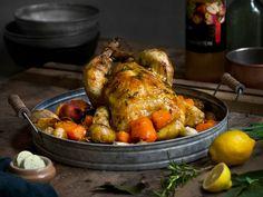 Helstekt kylling med urtesm�r, ovnsbakte gr�nnsaker og eplesirup