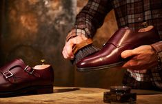We've highlighted four of the best leather shoe care kits so you can treat your shoes right, and in style. Beige Shoes, Cream Shoes, Suede Shoes, Leather Shoes, Black Shoes, Leather Dye, Cow Leather, Luxury Shoes, Custom Shoes