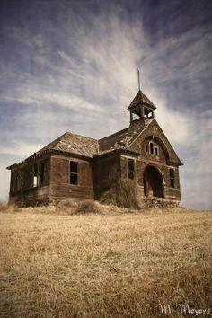1890 School House photo by Melisa Meyers