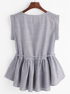 Nadelstreifen Tunnelzug Peplum Top- German SheIn(Sheinside) - New Ideas Dressy Tops, Cute Blouses, Blouses For Women, Blouse Styles, Blouse Designs, Mode Style, Fashion News, 80s Fashion, Ootd Fashion