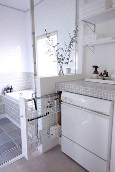 お風呂掃除道具の収納 浴室からも手が届くそう