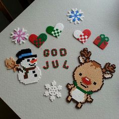 Christmas perler beads by sakiiire