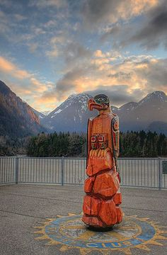 Chainsaw Carving by the Fraser River in Hope, BC. www.HopeBC.ca