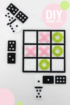 Inspiration, DIY board games out of hama pearls - Karen Klarbæks Verden Easy Perler Bead Patterns, Perler Bead Templates, Pearler Bead Patterns, Diy Perler Beads, Perler Bead Art, Pearler Beads, Fuse Beads, Pearl Beads Pattern, Pixel Beads