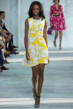 Diane von Furstenberg embraced Custard for the season. Pair this color with Classic Blue for a harmonious look. #DianevonFurstenberg #SpringTrends