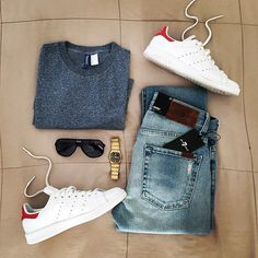 Are you wondering how to wear white sneakers for men or how to look sharp in simple jeans and casual shirt outfits? Then this 30 coolest casual street style looks is just the perfect guide you need to help you look AMAZING! Mode Outfits, Fashion Outfits, Mens Fashion, Fashion Trends, Casual Wear, Casual Outfits, Men Casual, Mode Man, Herren Outfit