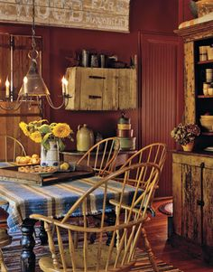 Decorating with American Country Antiques - House Tour - Country Living.love the windsor chairs. Primitive Homes, Primitive Dining Rooms, Primitive Country, Primitive Bedroom, Prim Decor, Country Decor, Country Living, Primitive Decor, Country Charm