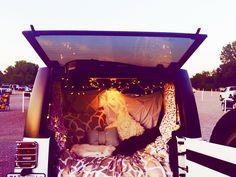 Drive in Jeep fun! Jeep Wagoneer, Jeep Rubicon, Jeep Wrangler Unlimited, Jeep Jeep, Drive In, Jeep Camping, Jeep Wrangler Camping, Camping Solo, White Jeep Wrangler