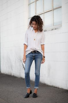 Ahh, the front tuck. I remember when this styling trick first started to gain popularity and the blog-o-sphere was torn. Early adopters were mocked,...