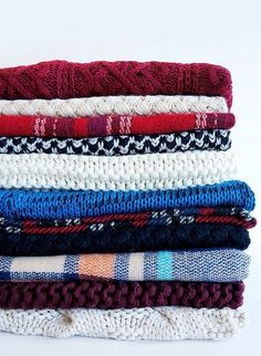 Get a discount on knit scarves from Lulu's <3