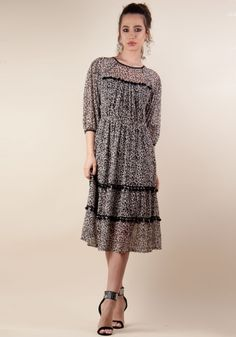 Lady, Dresses With Sleeves, Long Sleeve, Fashion, Moda, Sleeve Dresses, Long Dress Patterns, Fashion Styles, Gowns With Sleeves