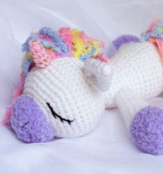 Sleeping amigurumi unicorn (free crochet pattern) // Alvó amigurumi unikornis (ingyenes horgolásminta) // Mindy - craft & DIY tutorial collection