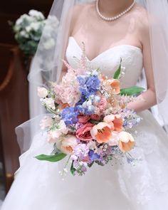 Wedding Bouquets, Wedding Flowers, Wedding Dresses, Bride, Womens Fashion, Moda Femenina, Bride Dresses, Wedding Bride, Bridal Gowns