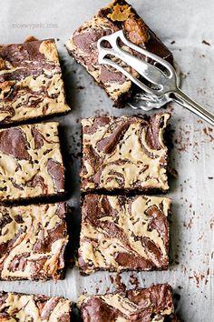 Tahini and Halva Brownies Blondie Brownies, Snack Bar, Vegan Sweets, Tahini, Sweet Life, Blondies, Gourmet Recipes, Bakery, Food And Drink
