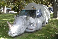 -- Can we try to get more space in the traffic jam with this car? -- The Rhino car