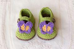 crochet-butterfly-garden-baby-booties