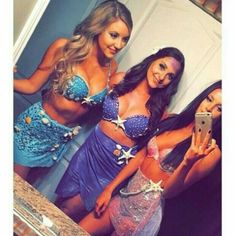Want to look hot this Halloween? Here are the best and sexiest Halloween costume ideas that you need to rock this year. Mermaid Halloween Costumes, Group Halloween Costumes, Group Costumes, Halloween Outfits, Diy Mermaid Costume, Halloween College, College Costumes, Halloween Parties, Couple Costumes