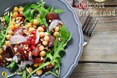 Αρωματική σαλάτα με ρόκα ρεβίθια και ντοματίνια