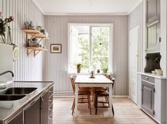 kitchen, bright, old kitchen, retro, Big Kitchen, Kitchen Pantry, Kitchen Retro, Kitchen Grey, Küchen Design, House Design, Chicken Kitchen, Kitchen Dresser, Boffi