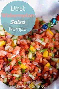 Looking for an easy salsa recipe? Mix your favorite salsa ingredients together with diced watermelon and mango, for the best watermelon salsa recipe. Watermelon Salsa, Fruit Salsa, Mango Salsa, Watermelon Healthy, Watermelon Carving, Watermelon Appetizer, Healthy Snacks, Healthy Eating, Healthy Recipes