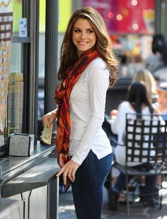 Maria Menounos Hot Photos http://xnys.blogspot.com/2011/12/maria-menounos-hangout-photoshoot.html#