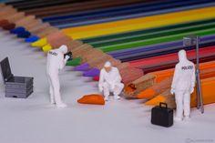 https://flic.kr/p/D99PKn | Buntstifte CSI | Ein weiterer Fall für das CSI Team in Little World - ein Buntstift wurde Opfer eines noch unbekannten Täters! --------------------------------------- Another new Case for the CSI Team in Little World - a colored pencil got broken by an anonymous culprit!