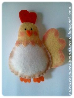 GALLINAS DE FIELTRO. FELT CHICKEN.